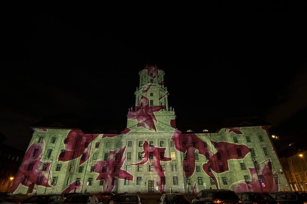 Altes Stadthaus bei Berlin leuchtet 2016