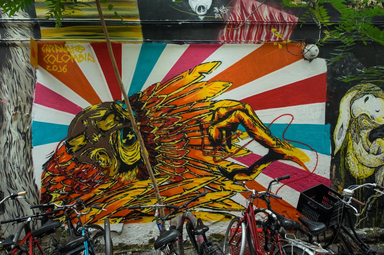 streetart-berlin-haus-schwarzenberg09