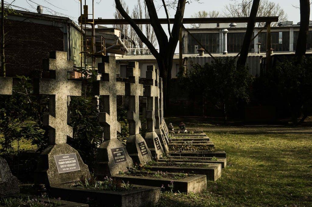 Grabsteine auf dem russisch-orthodoxen Friedhof in Berlin