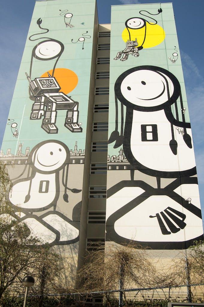 One Wall Wandgemälde für Urban Nation von The London Police