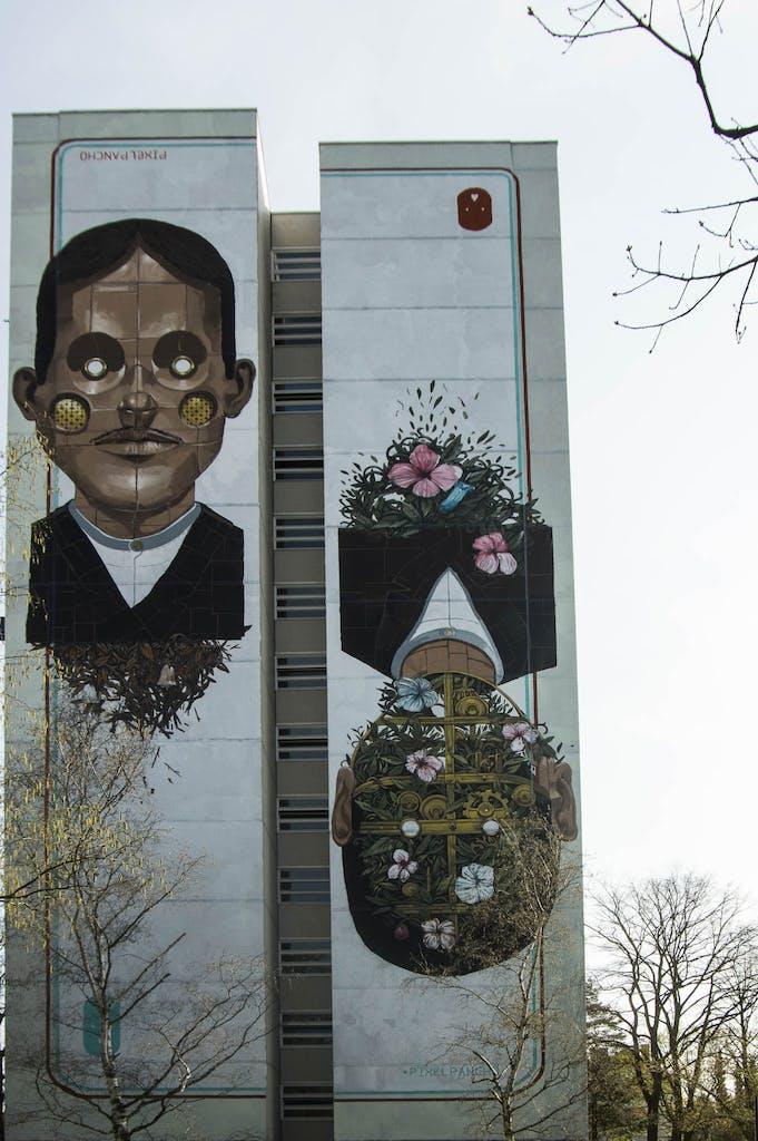 Wandgemälde mit organischen Robotern von Pixel Pancho in Berlin Tegel