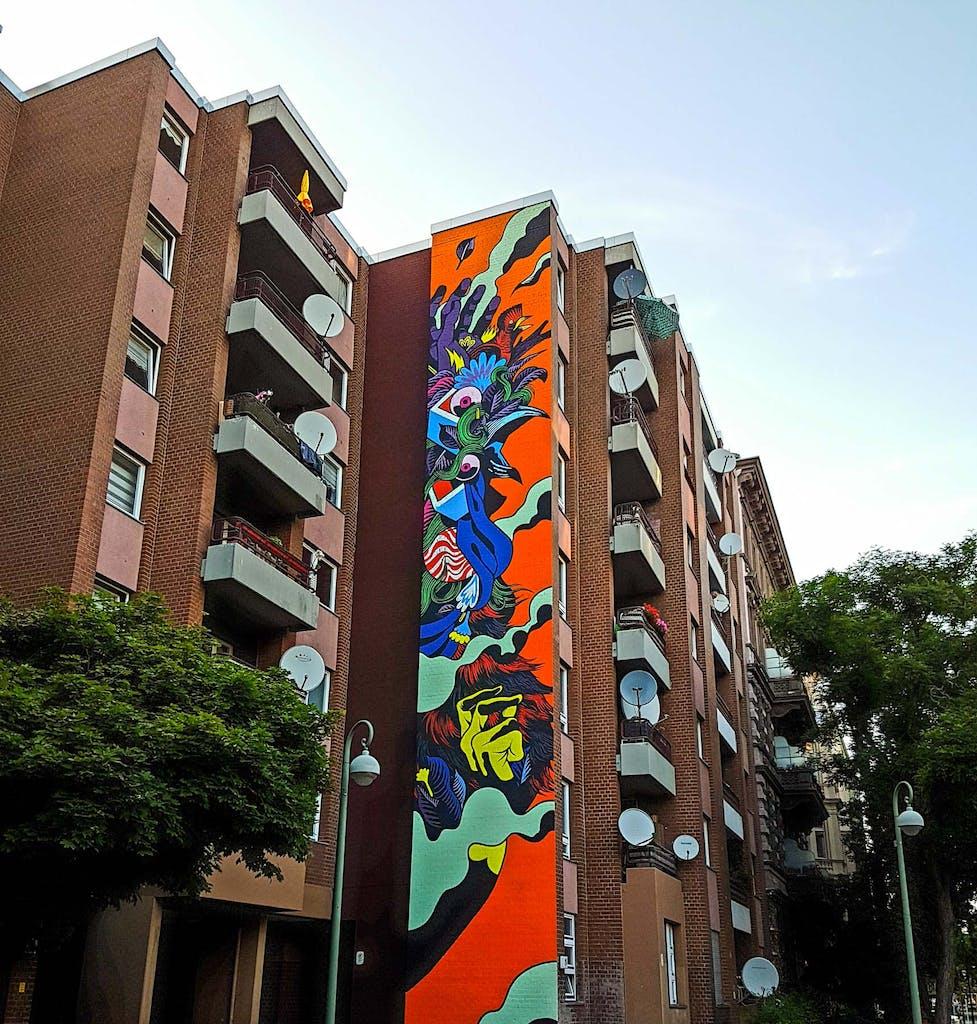 """Etwas versteckt in der Steinmetzstraße ist dieses farbenfrohe Werk der brasilianischen Crew """"Bicicleta Sem Freio"""", kurz BsF."""