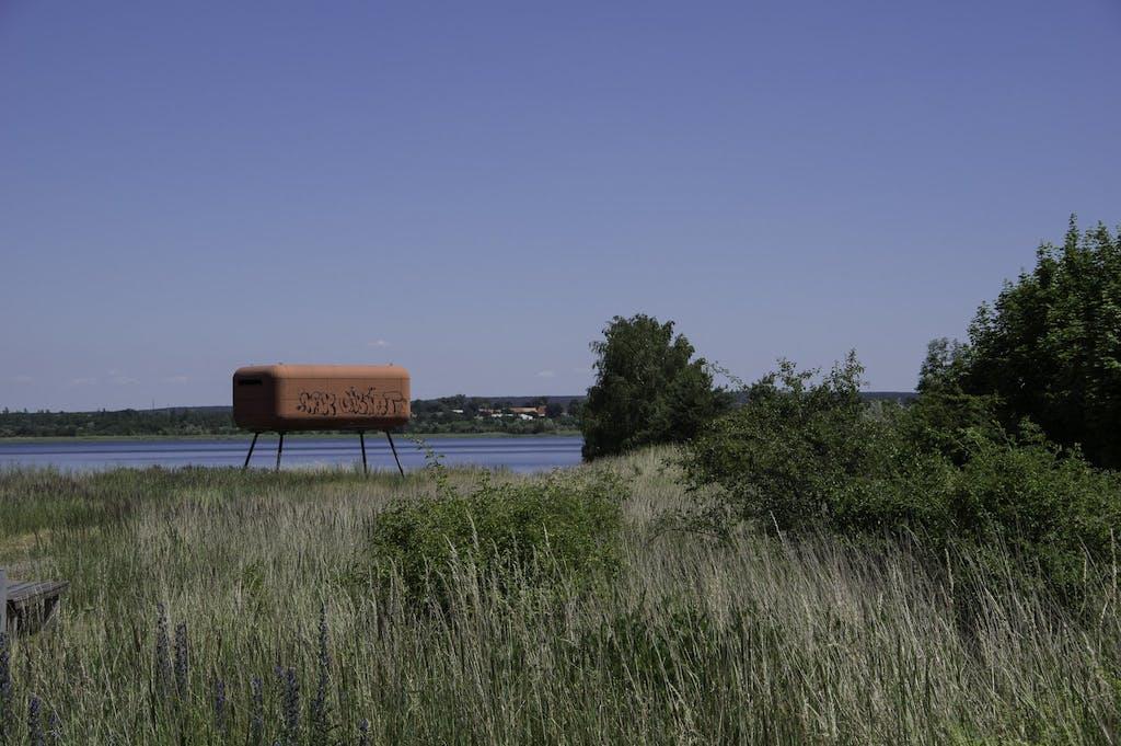 Die Ufos am Gremminer See gibt es in unterschiedlichen Farben.