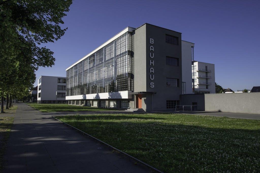 Schlusspunkt und eigentliches Ziel unserer Radtour: das Bauhaus Dessau in der Totalansicht