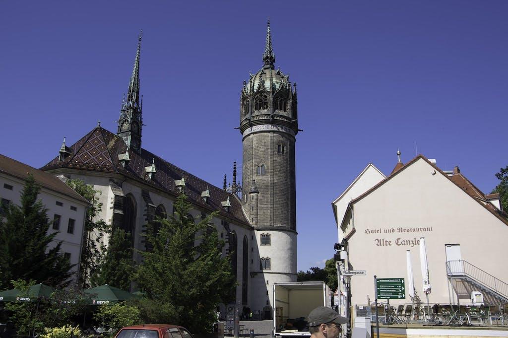 Schloßkirche von Wittenberg, an dessen Pforte Martin Luther seine berühmten Thesen nagelte.