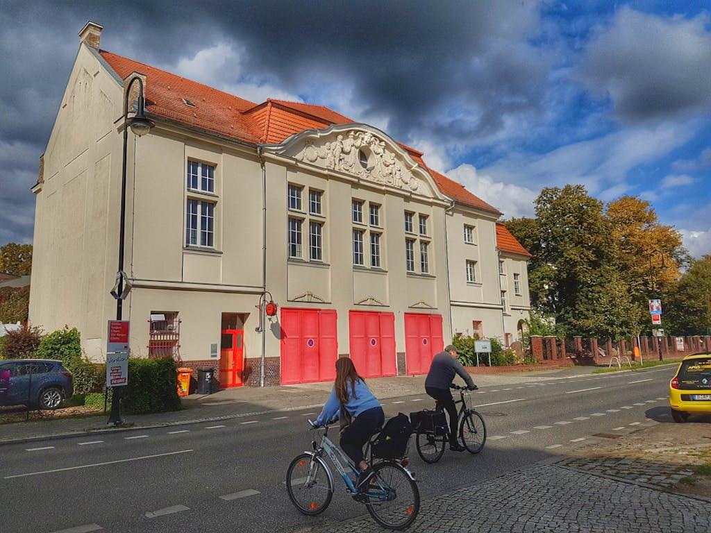 Historisches Gebäude der Freiwilligen Feuerwehr Niederschönhausen, hervorgegangen aus der Löschbrigade des Schlosses.