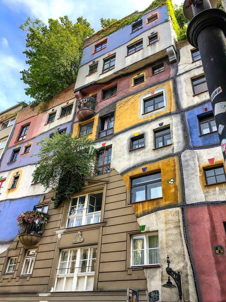Hundertwasserhaus in Wien, Pflichtprogramm auf jeder Sightseeing-Tour in Wien.