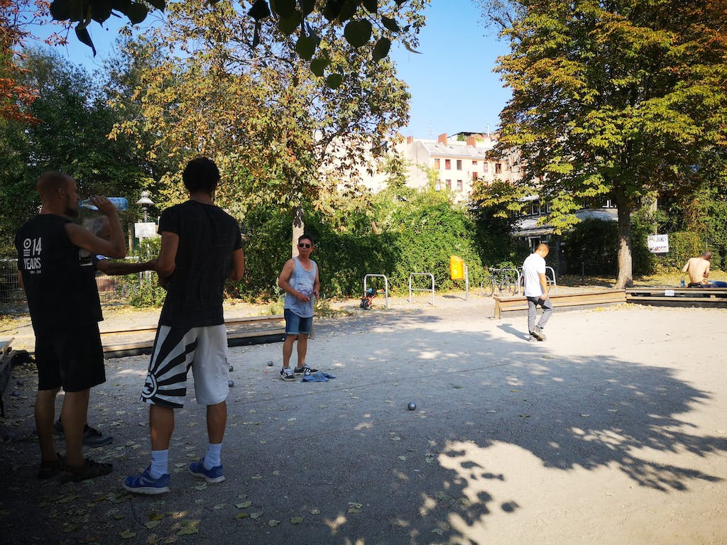 You will always find groups playing boules on the banks of the canal.