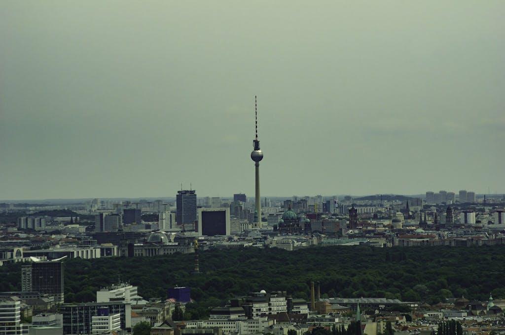 Alles auf einen Blick. Aussicht auf die östliche Innenstadt vom Funkturm aus.