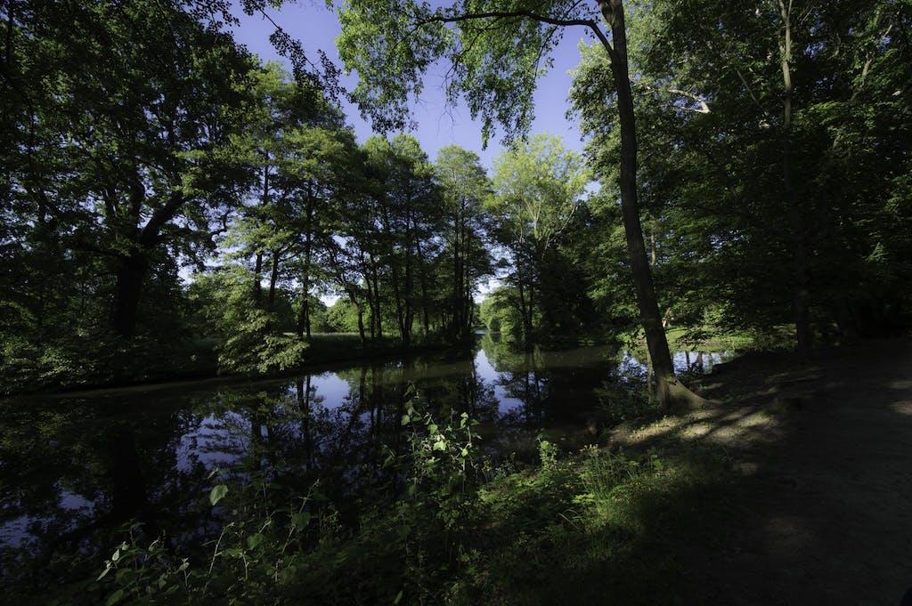 Der verwunschene Park des Schloss Charlottenburg ist auch alleine ein lohnendes ziel für eine kleine Radtour.