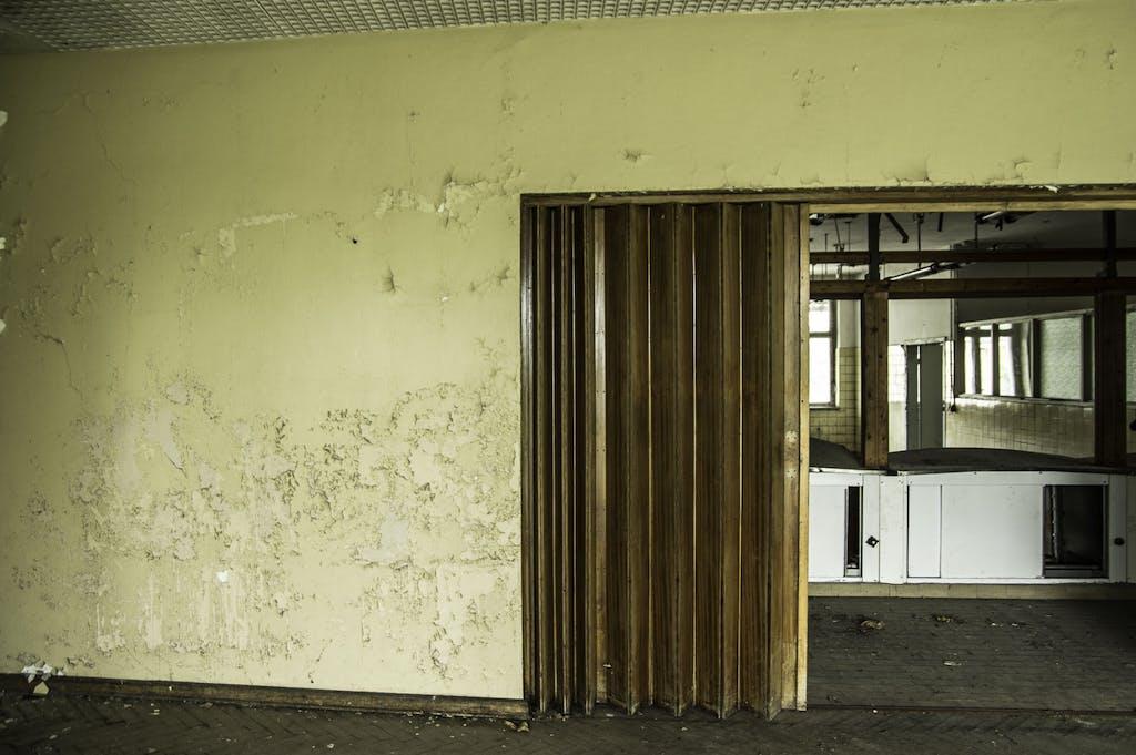 Kantine eines verlassenen Geflügelzüchters bei Spreenhagen.
