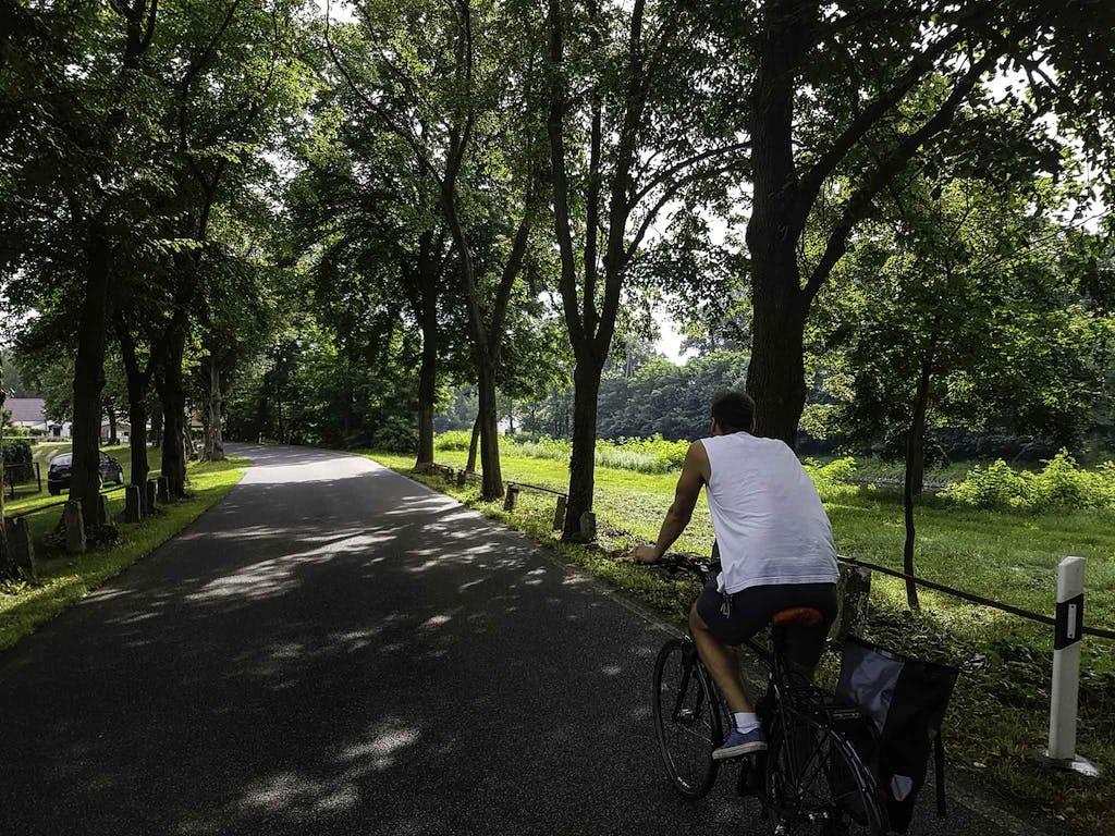 Start unserer Radtour war in Erkner, wo es direkt vom Bahnhof ans Wasser geht, wobei wir erst einmal einen anderen Weg einschlagen