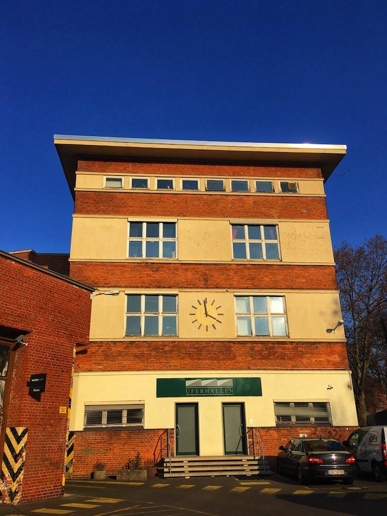 """In den 20ern bekam die Werkstatt an den Uferhallen ein paar Erweiterungen im Stil der """"Neuen Sachlichkeit"""""""