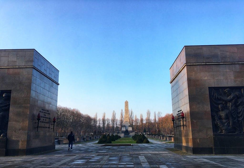 Das sowjetische Ehrenmal in der Schönholzer Heide ist nicht weniger eindrucksvoll als sein Pendant im Treptower Park.