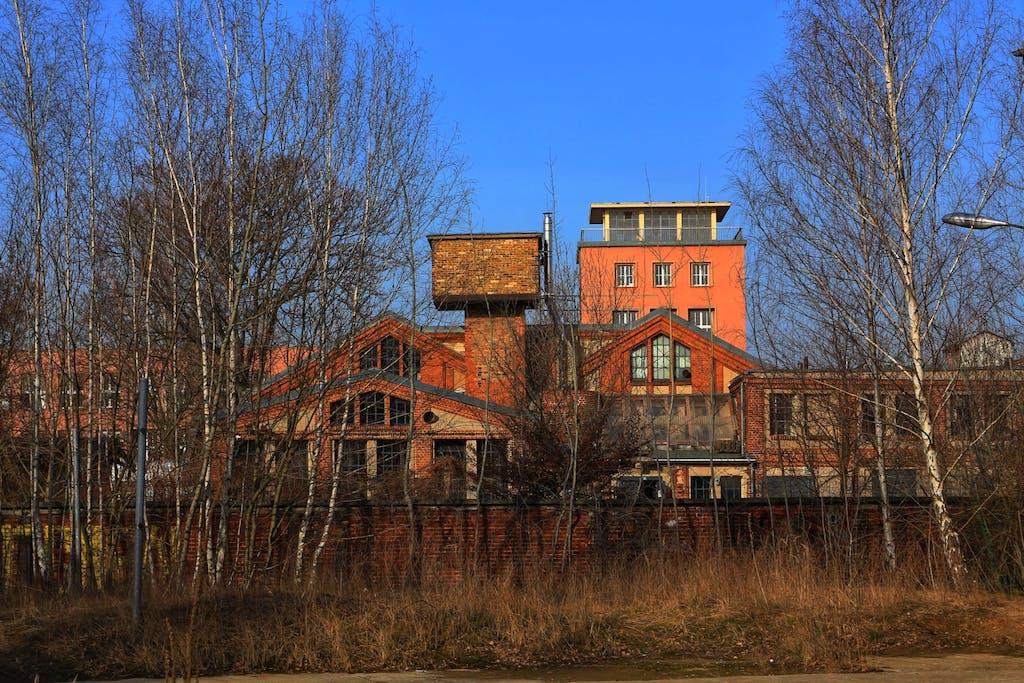 Industriebrache am Hof der Kreativstadt Weißensee