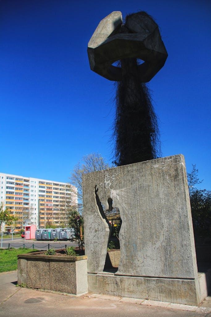 Denkmal zum Bau des Neubau-Viertels in Marzahn