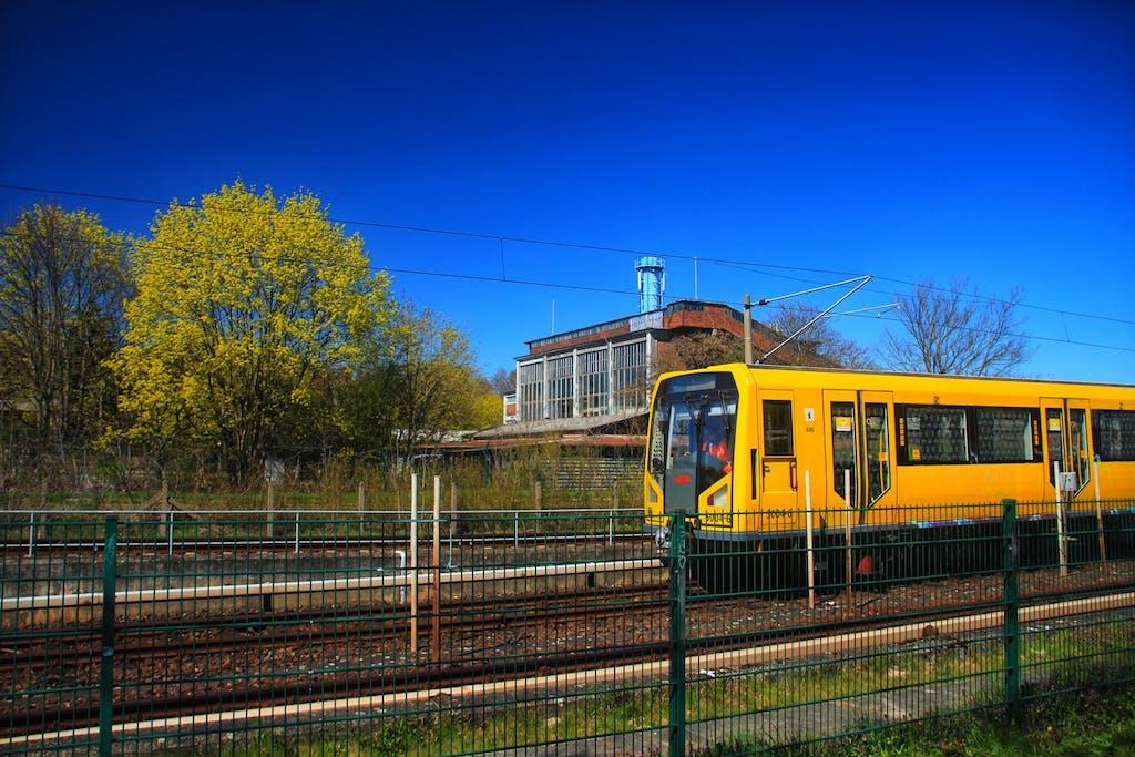 Bahn am Tierpark Friedrichsfelde