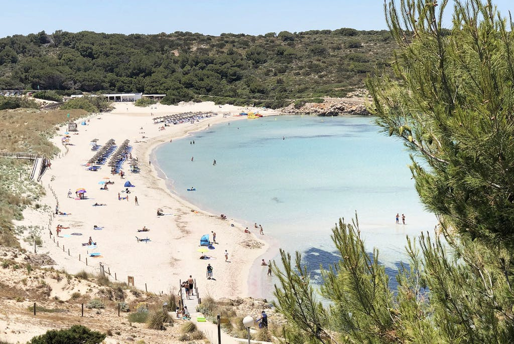 Playa Son Parc cerca de Fornells