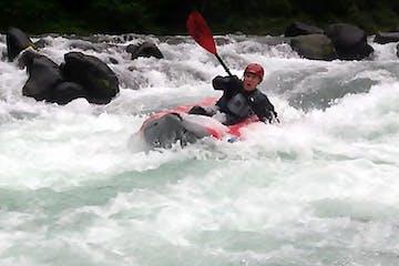upper clackamas river kayaking in tomcat solo
