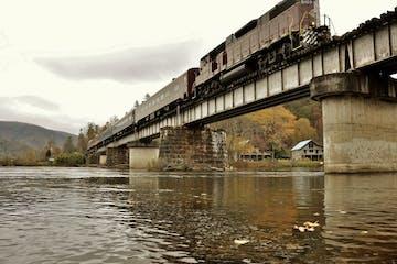 hiwassee river rail adventure train excursions-fall colors