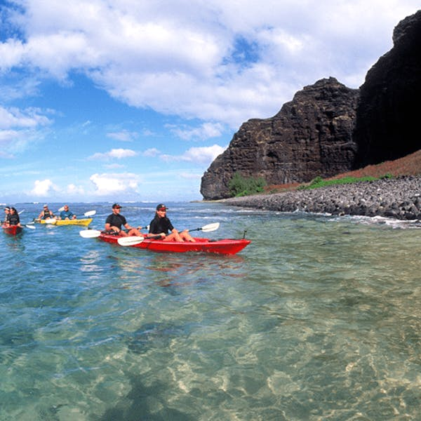 sea kayaking on napali coast