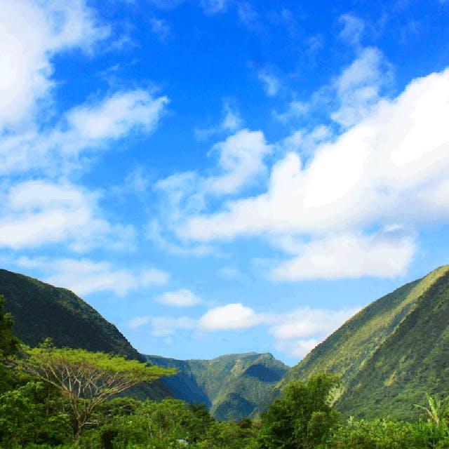A stunning shot of the Waipi'o Valley