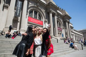 Visit Metropolitan Museum on Gossip Girl Sites Tour with On Location