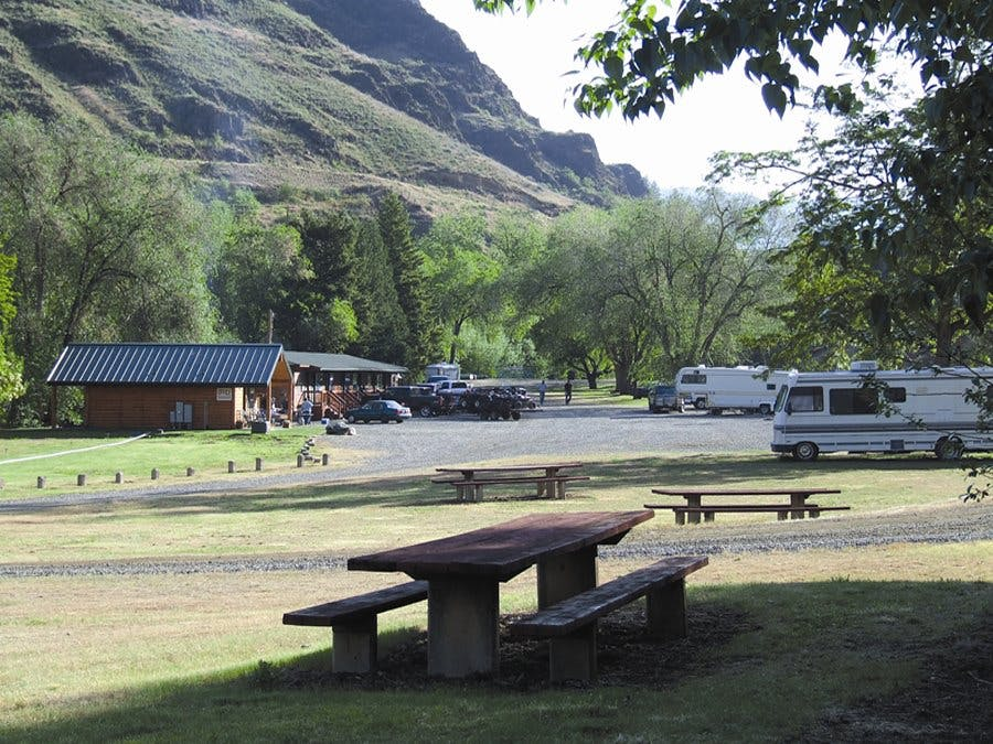 Hells Canyon Jet Boat Trips And Lodging And Rv Park