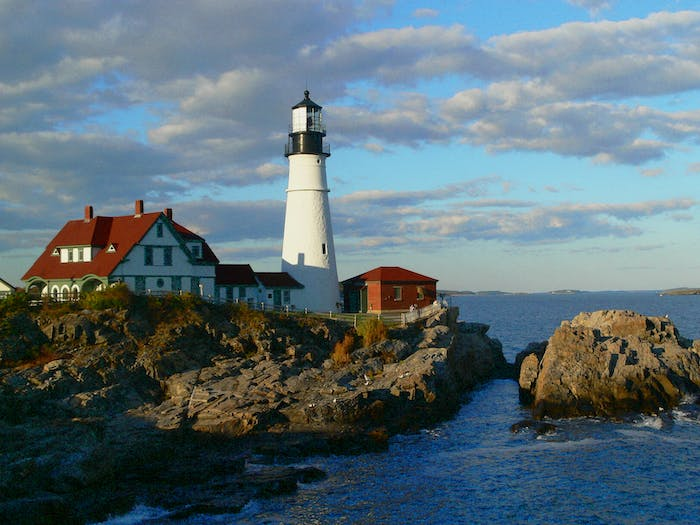 The Scenic Route Maine Tours City Lighthouse Tours In Portland