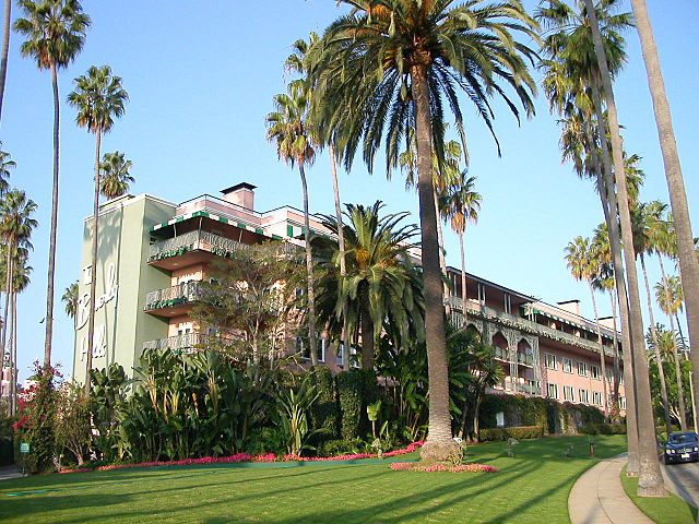 640px-The_Beverly_Hills_Hotel