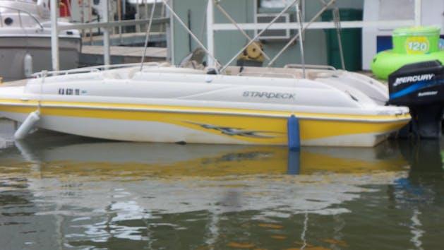20' Deckboat Ski Boat