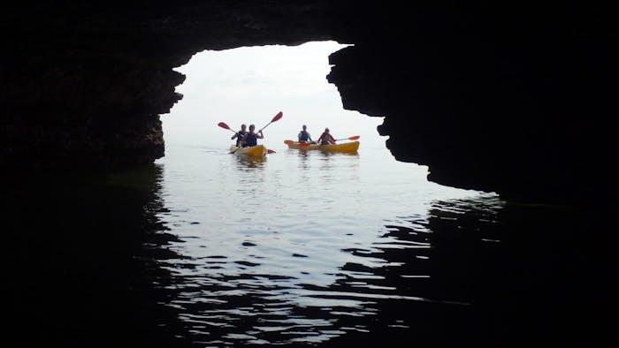 Cave Point County Park Kayak Tour   Gravity Trails
