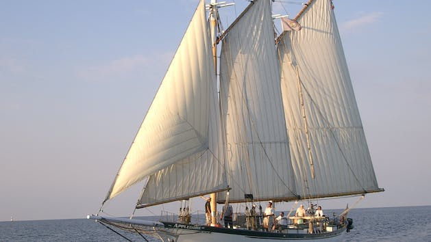 sturgeon bay boat tours of the tall ships