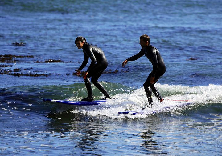 Learning to surf with Surf School Santa Cruz