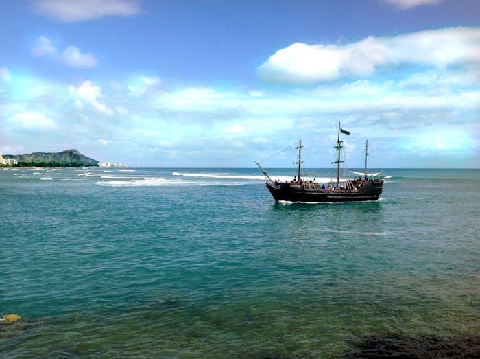 Hawaii Pirate Ship Adventures Honolulu Pirate Cruises - Pirate ship cruise hawaii